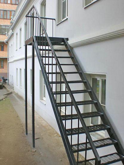 Металлическая лестница, перила
